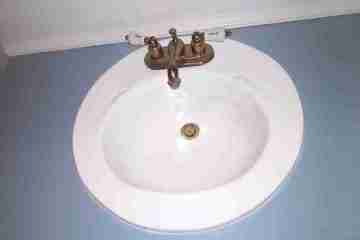 Vintage old sink reglazing